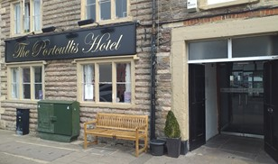 Picture of The Portcullis Hotel