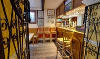 Gallery photo 3 of: Wynnstay Arms Hotel