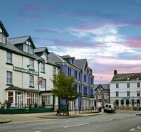 Gallery photo 1 of: Wynnstay Arms Hotel