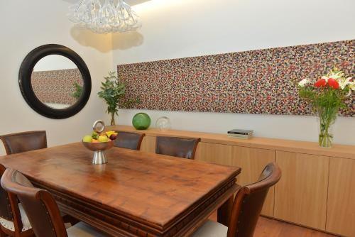 Hotel casa mozart las palmas de gran canaria for Casas en ciudad jardin las palmas