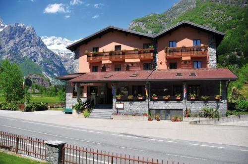 Hotel Ristorante Miramonti Val Masino