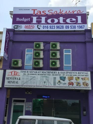 Tas Sakura Budget Hotel