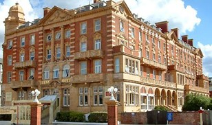 Picture of Queens Hotel