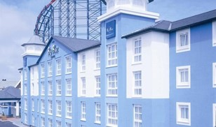 Picture of Big Blue Hotel