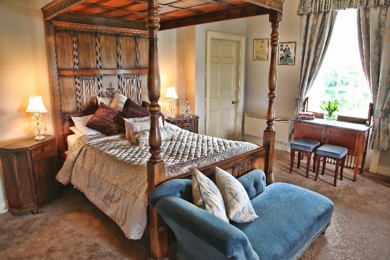 Rowley Manor Hotel Menu